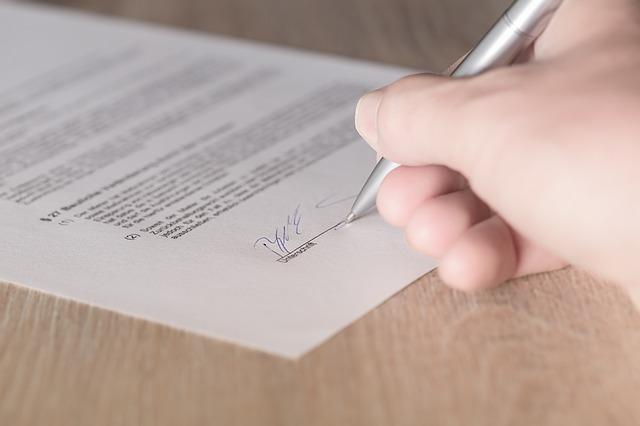 podepsaná smlouva