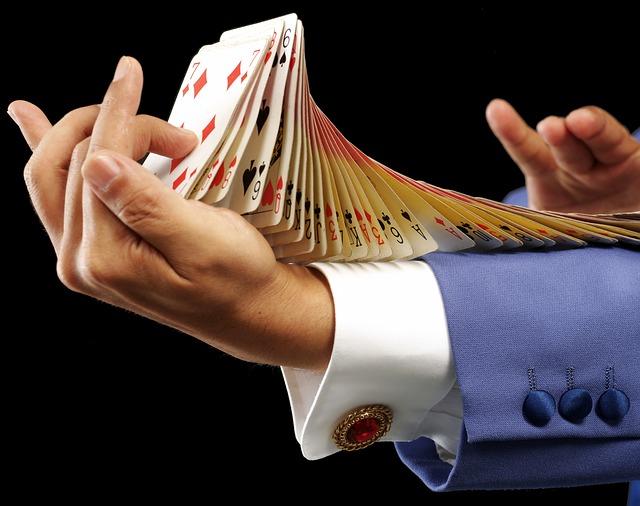 karty na předloktí