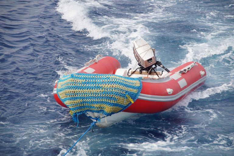 nafukovací motorý člun